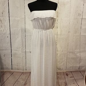 Trixxi white sleeves maxi dress sz Large